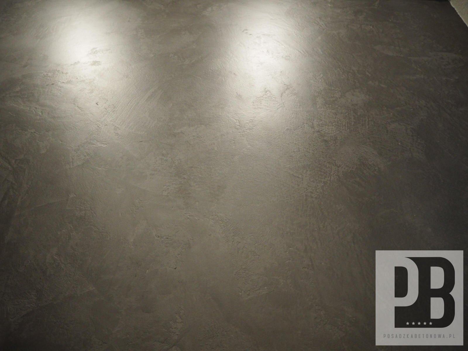 mikrocement-posadzka-betonowa-czarna-efekt-dekoracyjny006